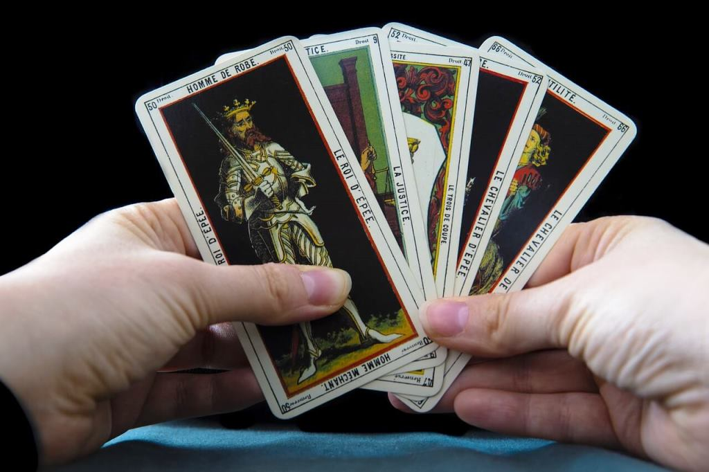 como ler cartas do tarot